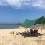 夏の砂浜で100均のサンドペグを使ってみた!【キャプテンスタッグとの違いは?】